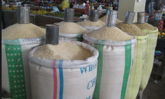 FG urges Nigerians to buy and eat local rice