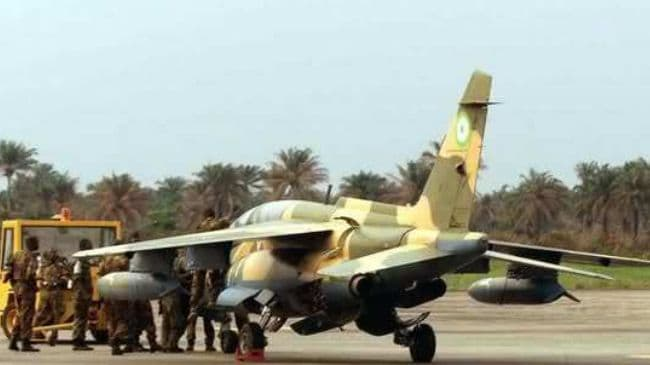 Nigerian Air Force fighter jet drops bomb on refugees
