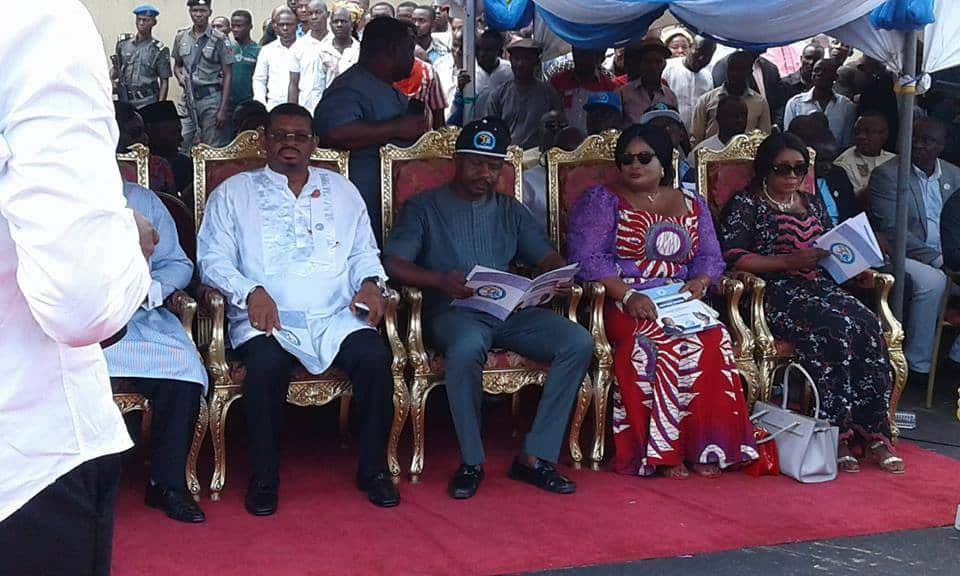 Goodluck Jonathan commissions NKPOGU/NLNG bridge phase 2
