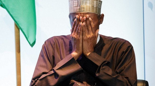 Buhari-prays-2-653×365