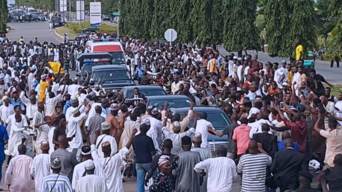 PRESIDENT BUHARI RETURNS TO NIGERIA