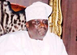 oba akiolu of lagos1 300x216 - #LekkiMassacre: Hoodlums Attack Palace Of Oba Of Lagos, Escape With Staff Of Office