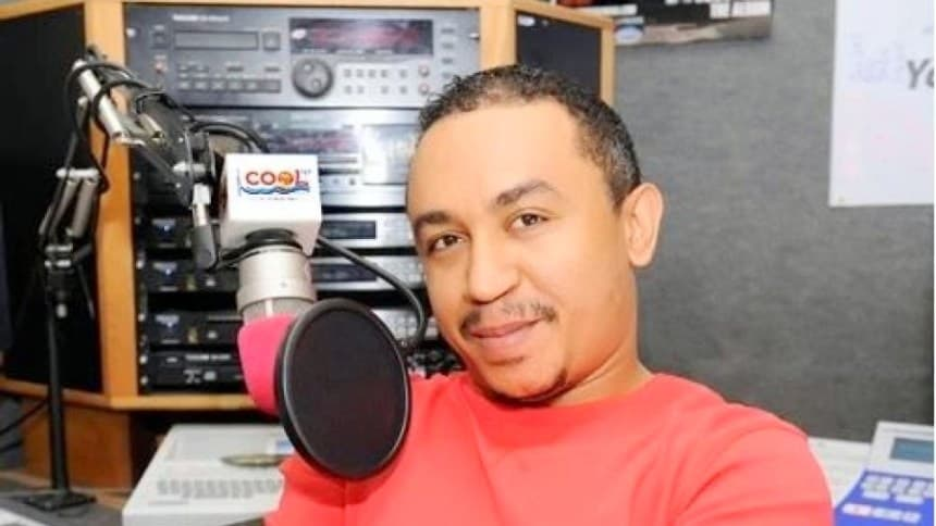 FREEZE - Daddy Freeze Takes Side After Young Man Ordered Wole Soyinka From His Seat