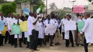 Health Workers 300x169 - Health Workers Fix Date To Begin Nationwide Strike
