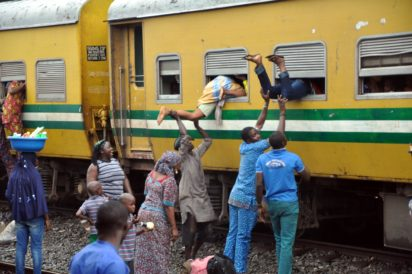Passengers-Board-Free-Train-to-Osogbo-for-Eid-El-Kabir-Celebration-in-Lagos-1-e1473632640838