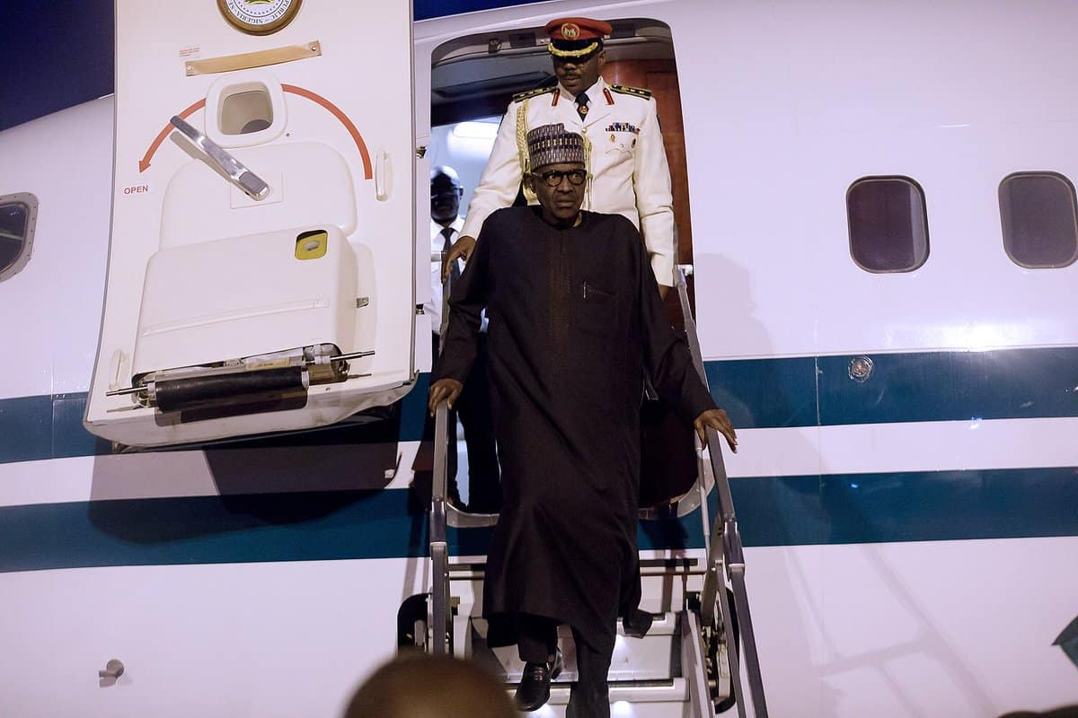 President-Buhari-Arrives-Abuja-After-a-Stop-Over-In-London-See-Photos1