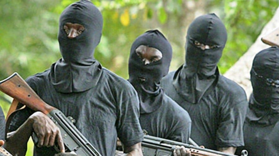 Gunmen kidnap wife, chilren, driver of king