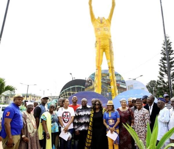 Lagos-Fela-Statue1-600×512