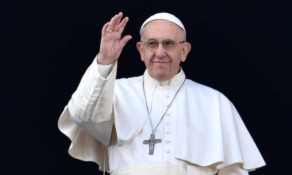 pope francis 1000x600 - Notre-Dame Fire: Pope Francis Thanks Fire Fighters, Others Who Risked Their Lives