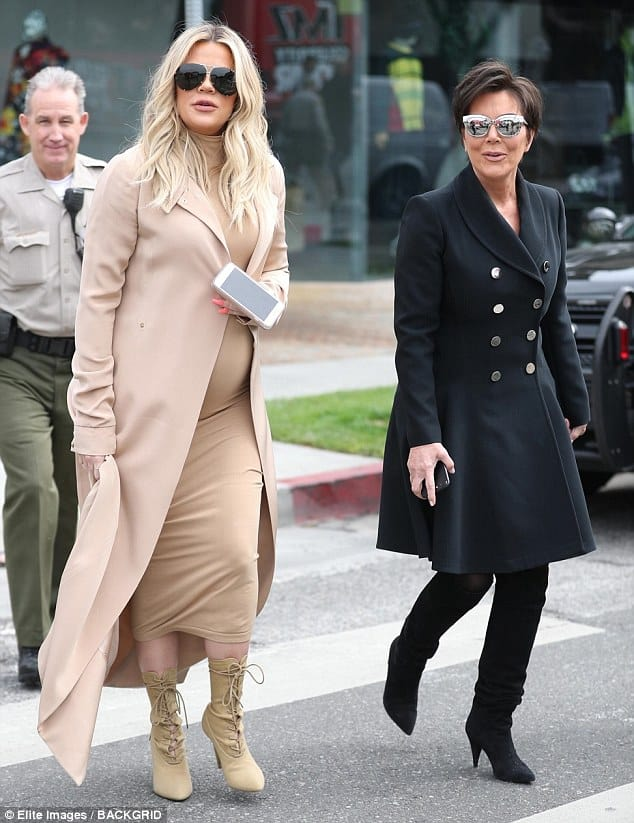 Khloe Kardashian Throws A Pink Themed Baby Shower