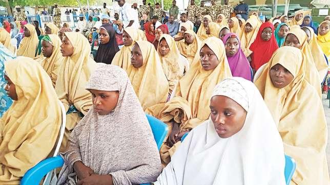 President Buhari Reportedly Gave Dapchi Girls ₦5000 Each