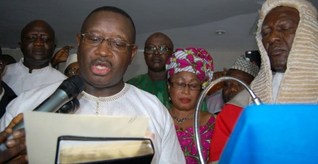Sierra-Leone's president sacks ambassadors and workers above the age of 60