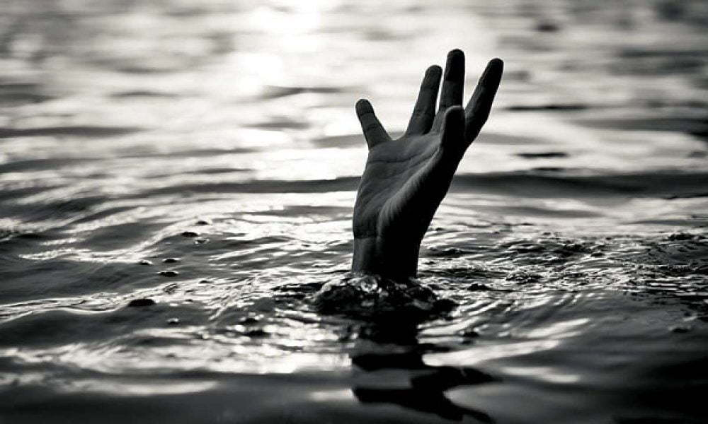 drowning 1000x600 - 10-Year-Old Boy Drowns While Bathing Inside A Pond
