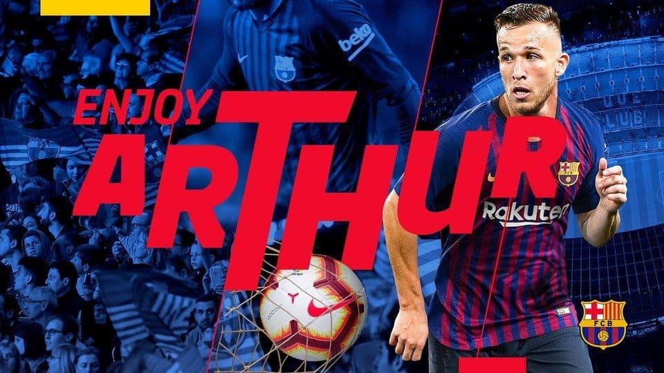 Barca signs Arthur