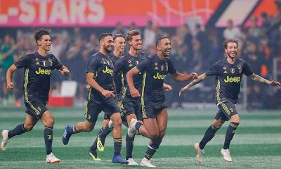 Juventus celebrates victory on penalties, 6 to 5, after a 1-1 draw with MLS