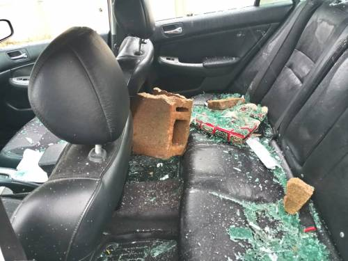 Suspected APC Thugs Attack PDP Secretariat In Bayelsa | Naija News