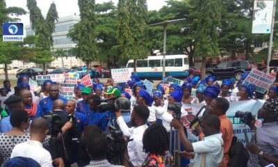 Nigerian-Traders-Protest-At-ECOWAS-Secretariat-Over-Victimisation-In-Ghana-1