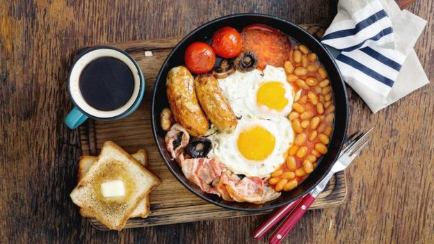 Traditional English breakfast contains high protein.