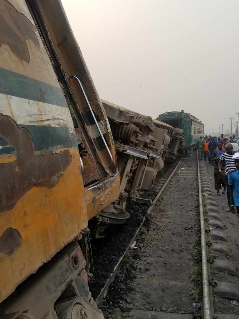 Many Injured As Train Derails In Lagos (Video/Photos)