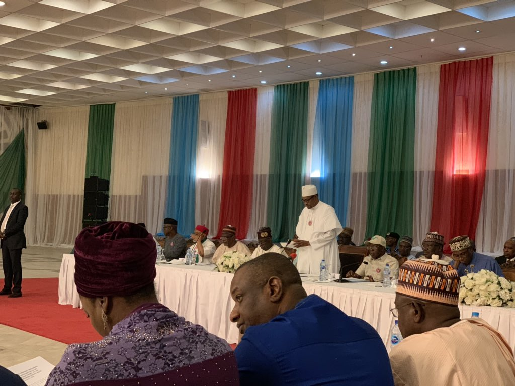 Oshiomhole Reveals What Buhari Discussed With APC Presidential Campaign Council