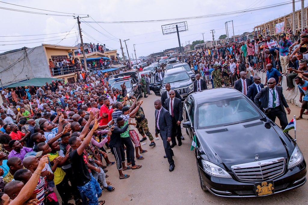 Aba Residents Shock Nnamdi Kanu, IPOB As Massive Crowd Welcome Buhari (Photos/Video)