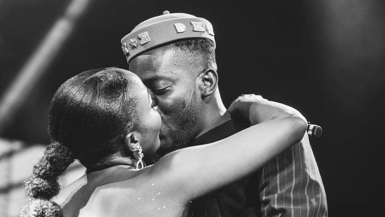 Simi-and-Adekunle-Gold-kissing