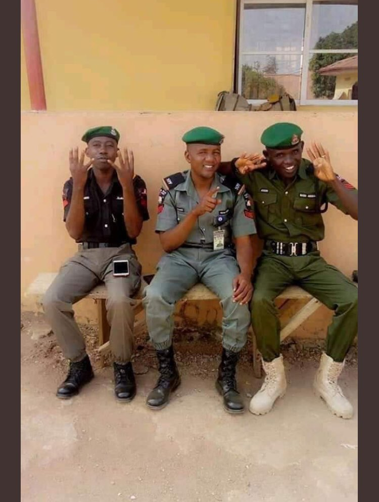4 plus 4 - See What Police Said About Its Operatives Doing The 4+4 Sign (Photo)