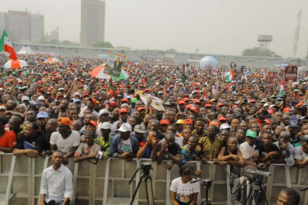 8748136 img20190212172943 jpeg75239d7c8b8fe27f87fcad5af8662cc0 - See How Atiku And PDP Leaders Dressed To Lagos For Presidential Rally As Crowd Of Excited Supporters Welcome Them