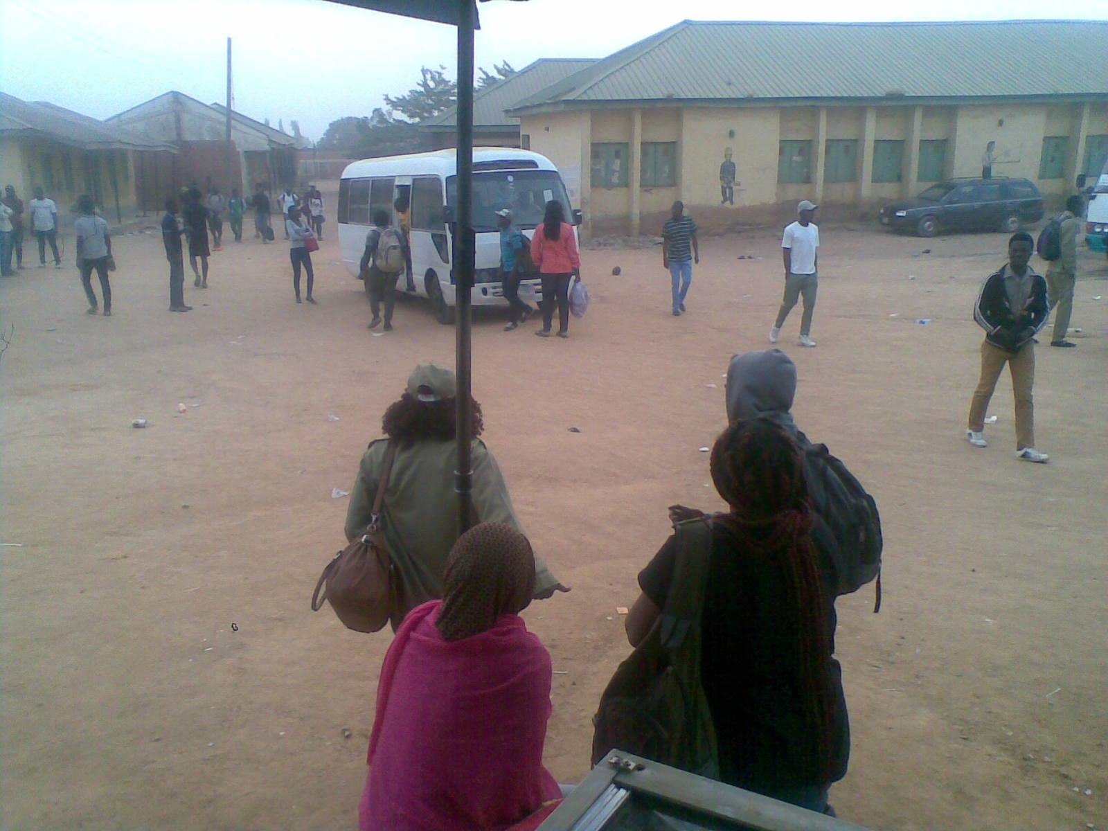 8781160 16022019 jpeg110a1a02dc52ed341836dc889f7b7977 - INEC Postpone Elections: Adhoc Staff Returning To Their Destinations (Photos)