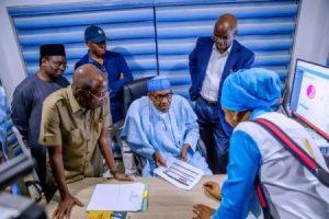 Buhari Fashola 300x200 - Buhari Spies At Election Results, Visits Situation Room (Photos)