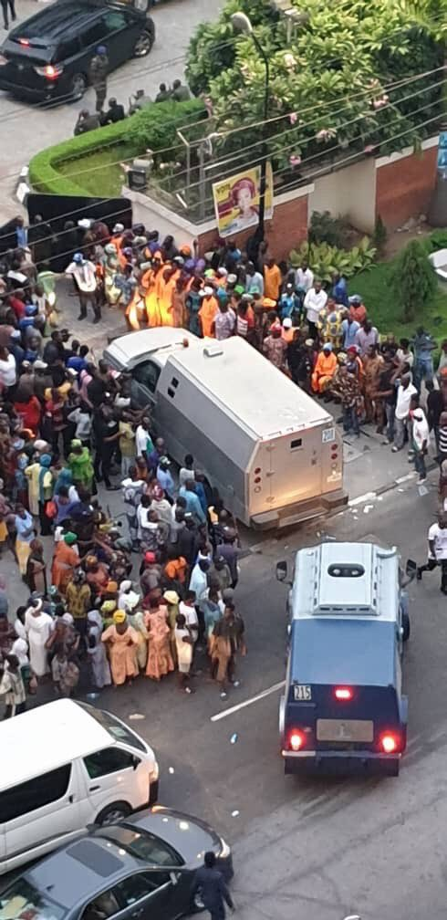 Tinubu Reacts To 'Bullion Vans' Entering Bourdillon