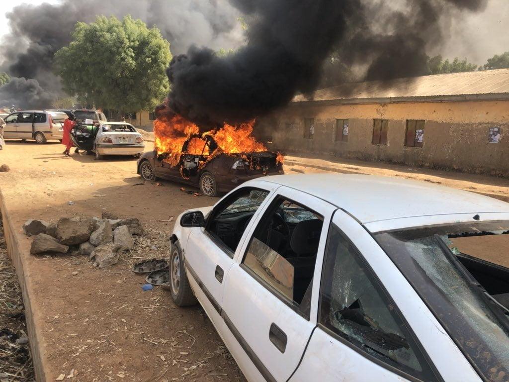 Dz8Yx7jXQAIrclY - Unknown Gunmen Attacked Kwankwaso's Convoy in Kano