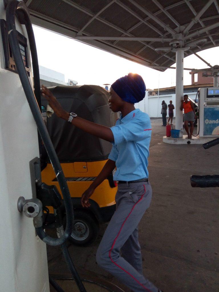 IMG 20190221 030440 768x1024 - Oando Shuns IPMAN's Order, Sells Petrol At N145 Per Litre (Photos)