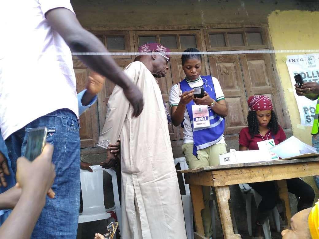 Chief Olusegun Obasanjo votes
