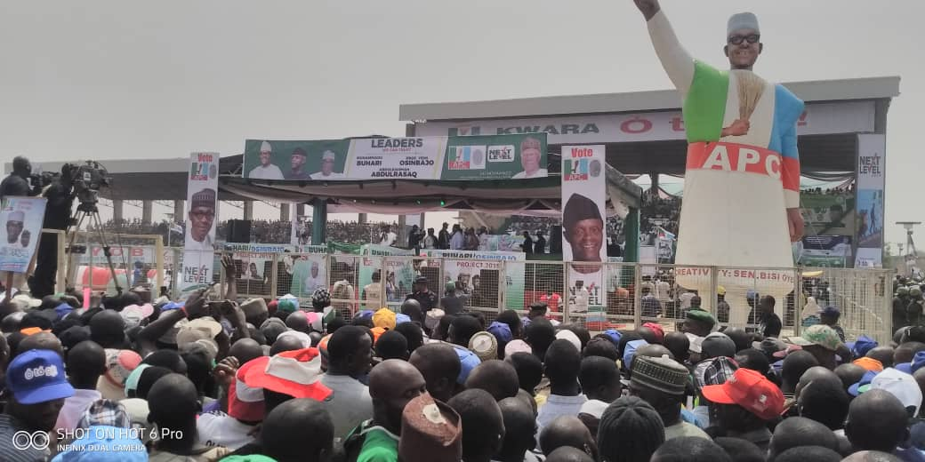 PMB in kwara 3 - See Mammoth Crowd That Welcomed APC's Buhari To Kwara State As Supporters Run After President's Convoy (Videos/Photos)