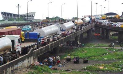 TRAFFIC-GRIDLOCK-ON-BRIDGE-IN-LAGOS
