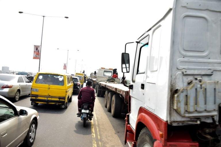 Trucks on Lagos bridge returns10 768x512 1 - Photos: Trucks Return To Lagos Bridge Shortly After Buhari's Departure