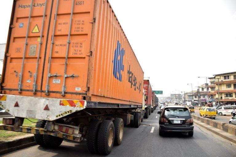 Trucks on Lagos bridge returns3 768x512 1 - Photos: Trucks Return To Lagos Bridge Shortly After Buhari's Departure