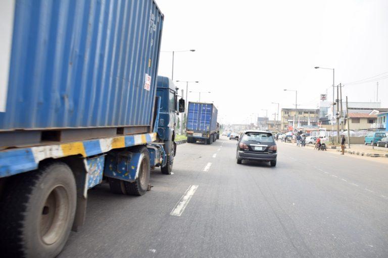 Trucks on Lagos bridge returns5 768x512 1 - Photos: Trucks Return To Lagos Bridge Shortly After Buhari's Departure