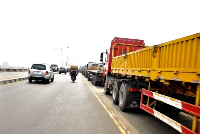 Trucks on Lagos bridge returns9 768x514 1 - Photos: Trucks Return To Lagos Bridge Shortly After Buhari's Departure