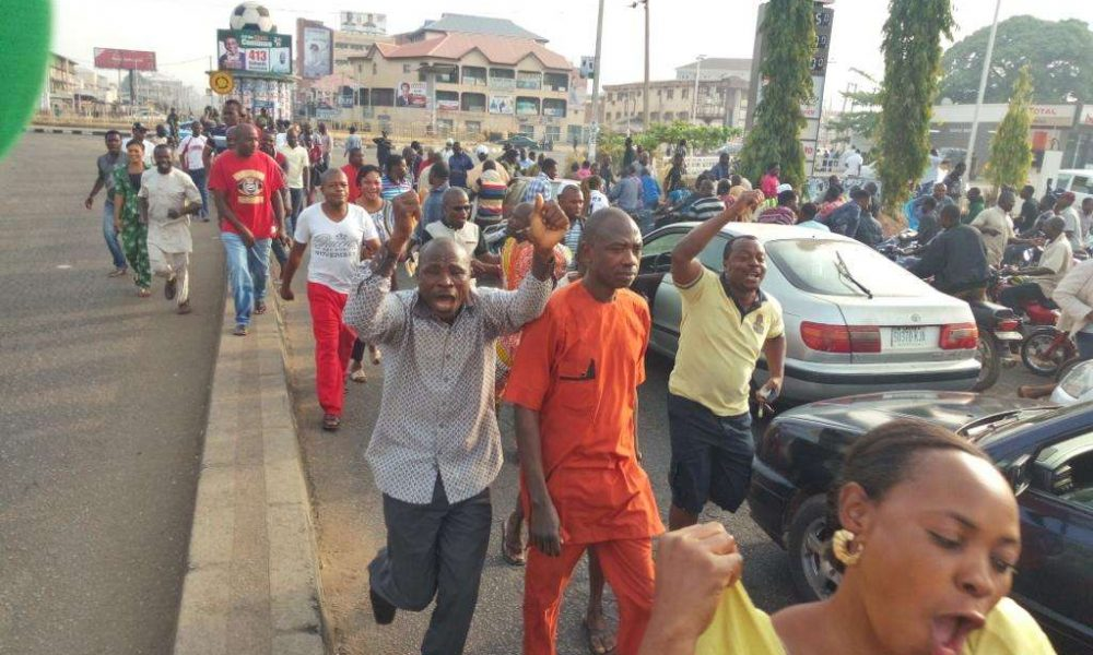 Voters Protest in Kaduna 1000x600 - Kaduna State: Protest Sparks As Man Dies In Clash Between Tungan Maje Residents And Soldiers
