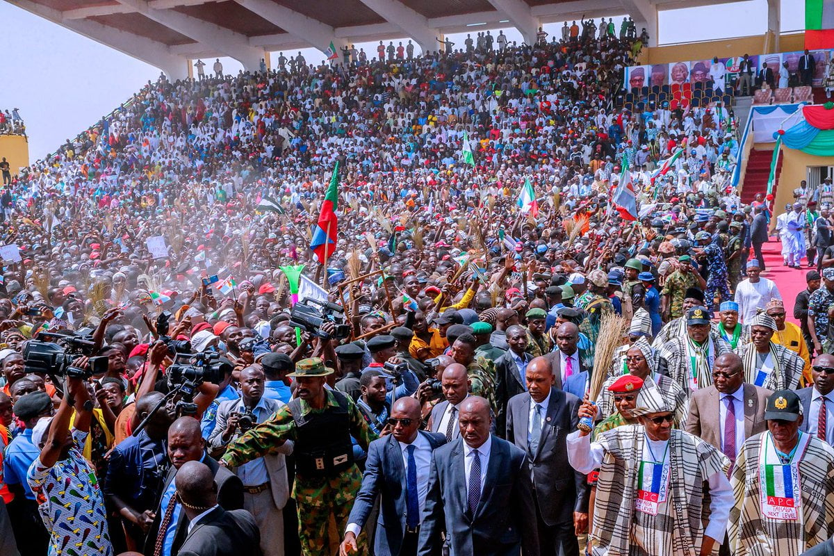crowd - Video And Photos: See The Crowd That Welcomed Buhari To PDP Stronghold State Of Taraba
