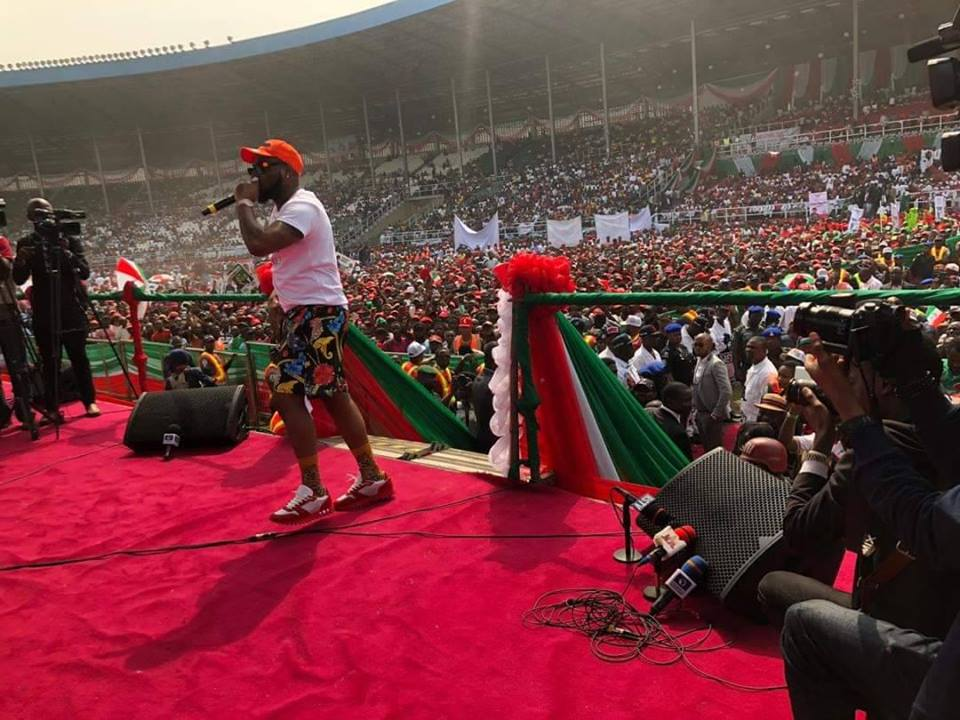 davido in pdp - Pictures And Videos From PDP's Presidential Rally In Rivers State As Davido Performs