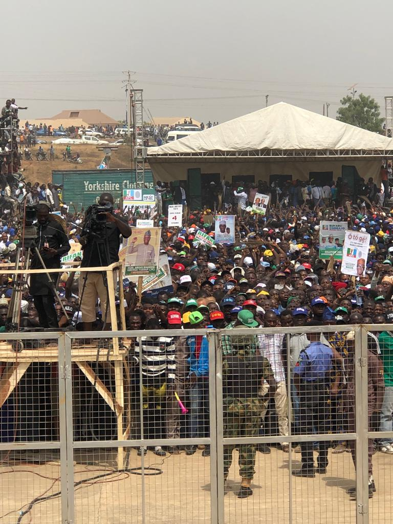 pmb in kwara 4 - See Mammoth Crowd That Welcomed APC's Buhari To Kwara State As Supporters Run After President's Convoy (Videos/Photos)