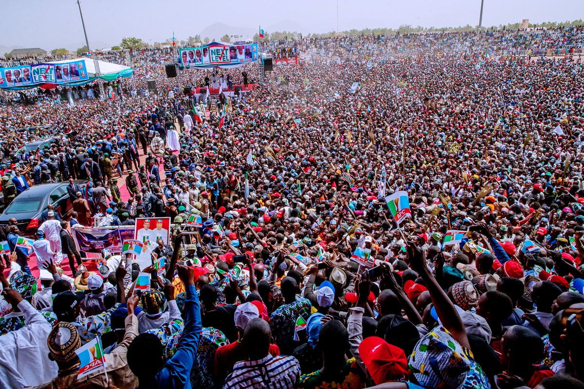 see crowd - Video And Photos: See The Crowd That Welcomed Buhari To PDP Stronghold State Of Taraba