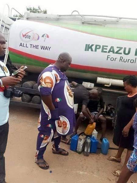 Abia govenrnor kerosene 1 450x600 - Abia Governor Shares Kerosene To Residents Ahead Guber Poll (Photos)