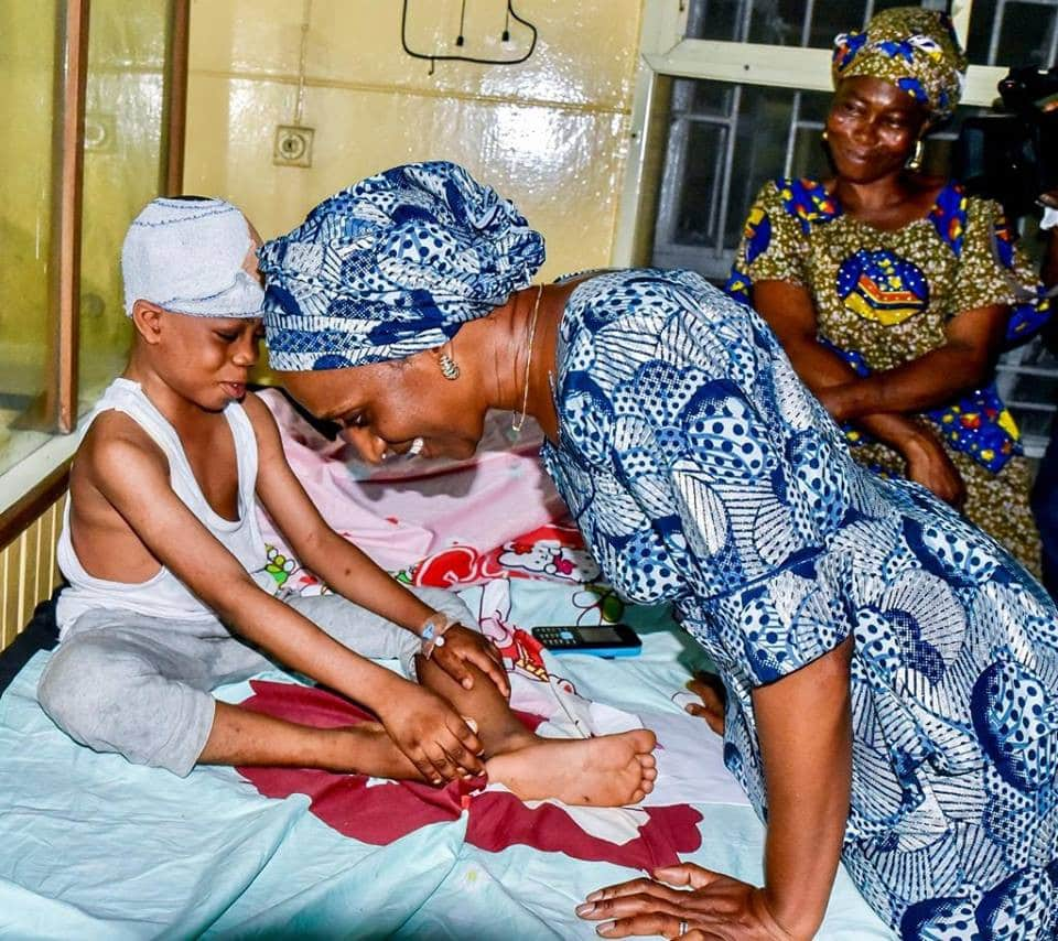 Dolapo111111 - Dolapo Osinbajo Visits Children Of Lagos Building Collapse (Photos)