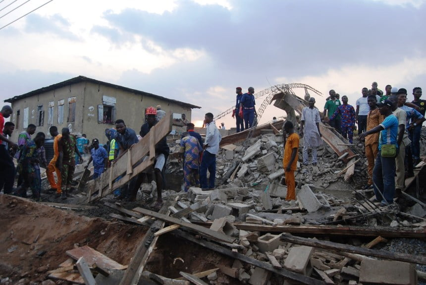 PIC 21 COLLAPSED BUILDIG I IIBADAN 2 - Several Injured As Building Collapse