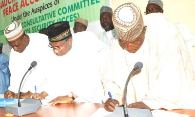 Pic.3.-Signing-of-peace-accord-for-gubernatorial-candidates-in-Bauchi