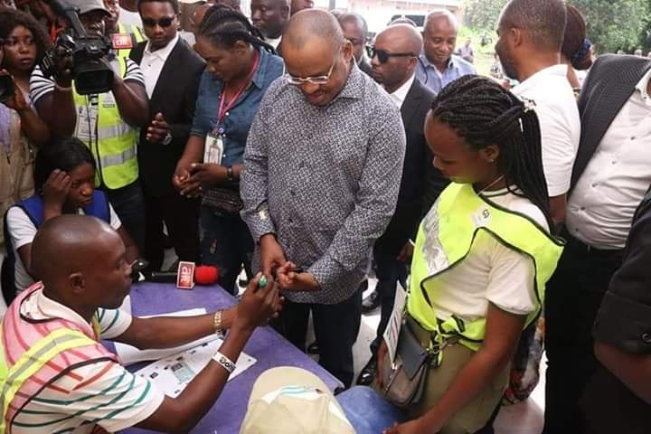 UE2 - Governor Udom, Wife Cast Their Votes In Akwa Ibom (Photos)